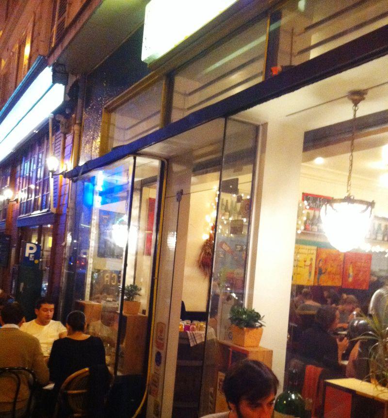 autour d 39 un verre paris 9e coup de fourchette blog guide des restaurants paris. Black Bedroom Furniture Sets. Home Design Ideas