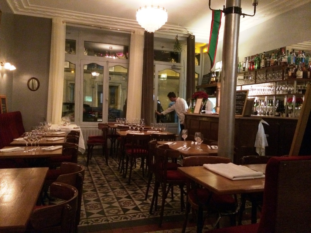 Bistrot-belhara-paris-salle