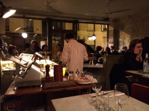Bones-restaurant-Paris-salle