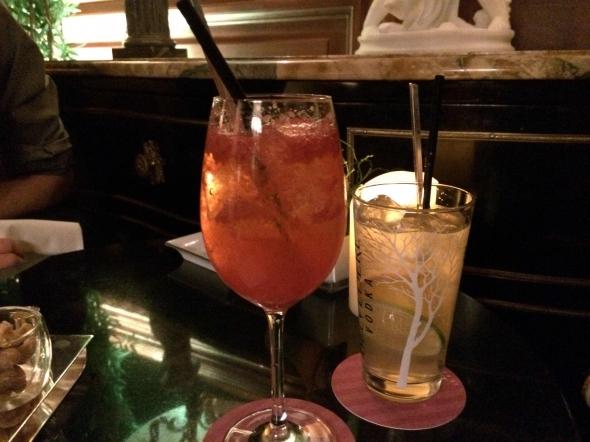 Bar-a-cocktails-paris-shangri-la-cocktails