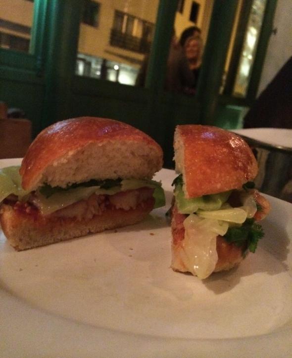 Clamato-restaurant-paris-buns