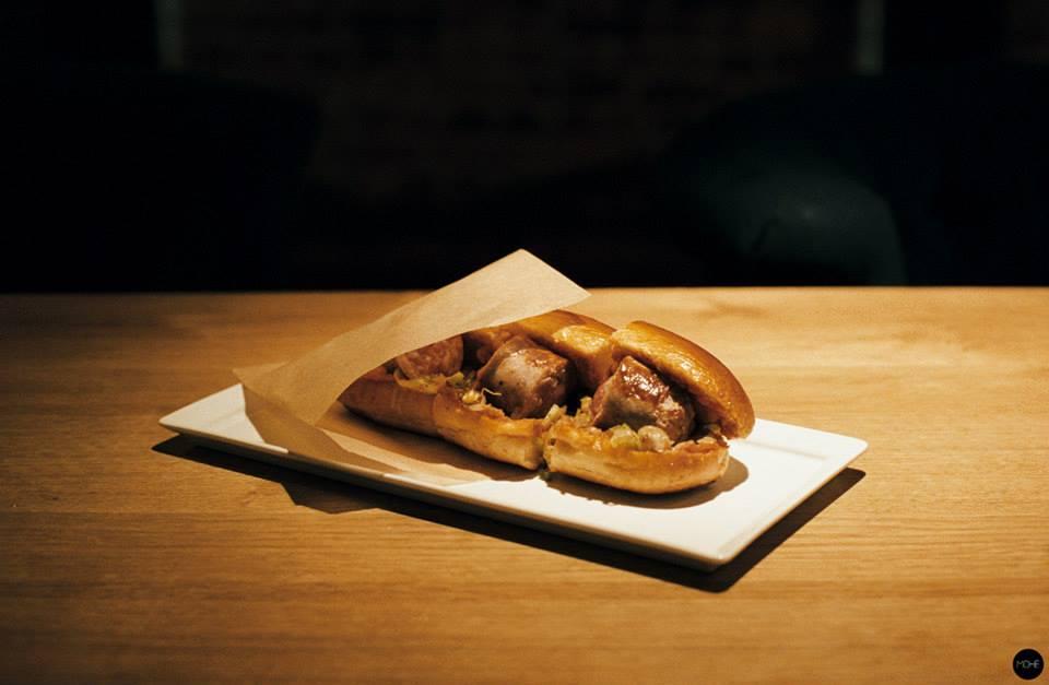 Little-red-door-street-food-hot-dog