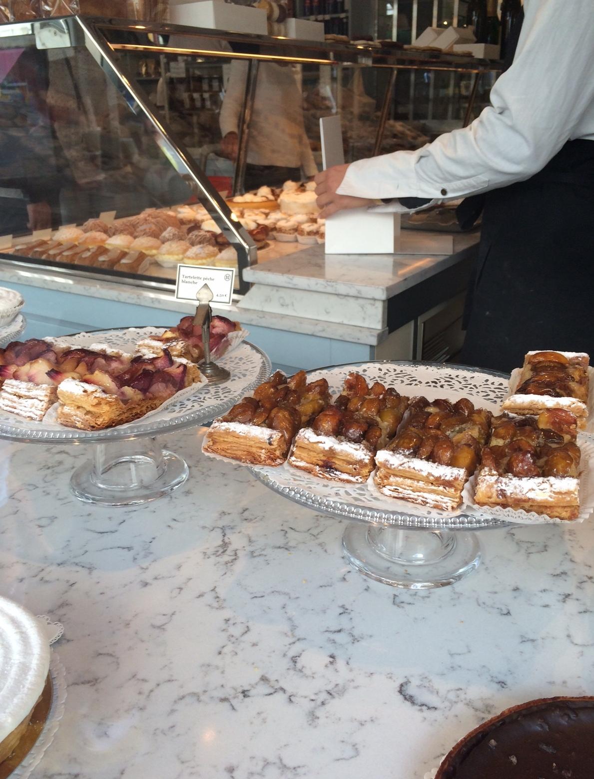 Sebastien gaudard ouvre une boutique au louvre coup de for Restaurant le miroir rue des martyrs