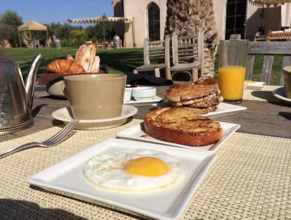 Ksar-Char-Bagh-hotel-luxe-marrakech-petit-dejeuner (2)