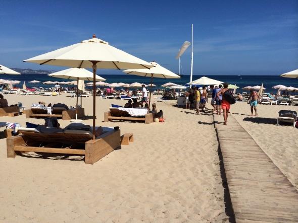 El-chiringito-ibizai-plage