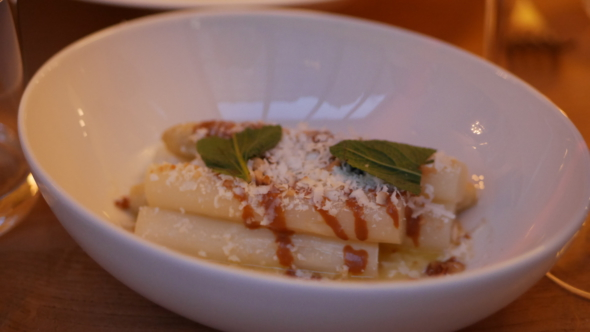 Passerini_restaurant_paris11_asperges