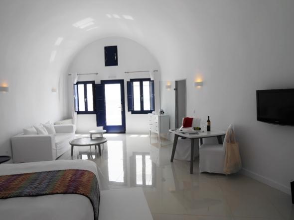 Chromata-hotel-santorin-chambre